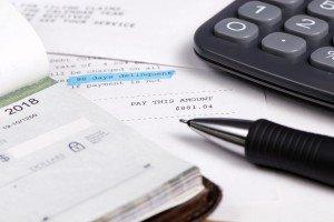Kredite belasten das Konto auf lange Zeit, daher sollte nur mit Bedacht ein Kredit aufgenommen werden.