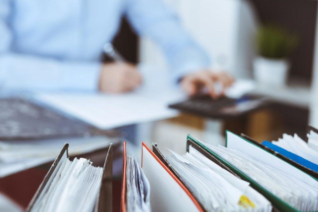 Das Finanzministerium hat sich mit den Ländern auf einige Erleichterungen für Steuerpflichtige geeinigt, die von der Corona-Krise betroffen sind.