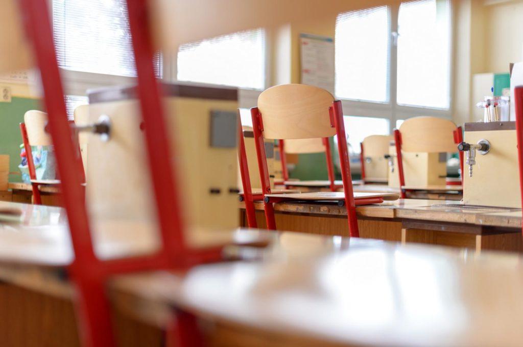 Durch die Kita- und Schulschliessungen kommt es zu großen Probleme für berufstätige Eltern